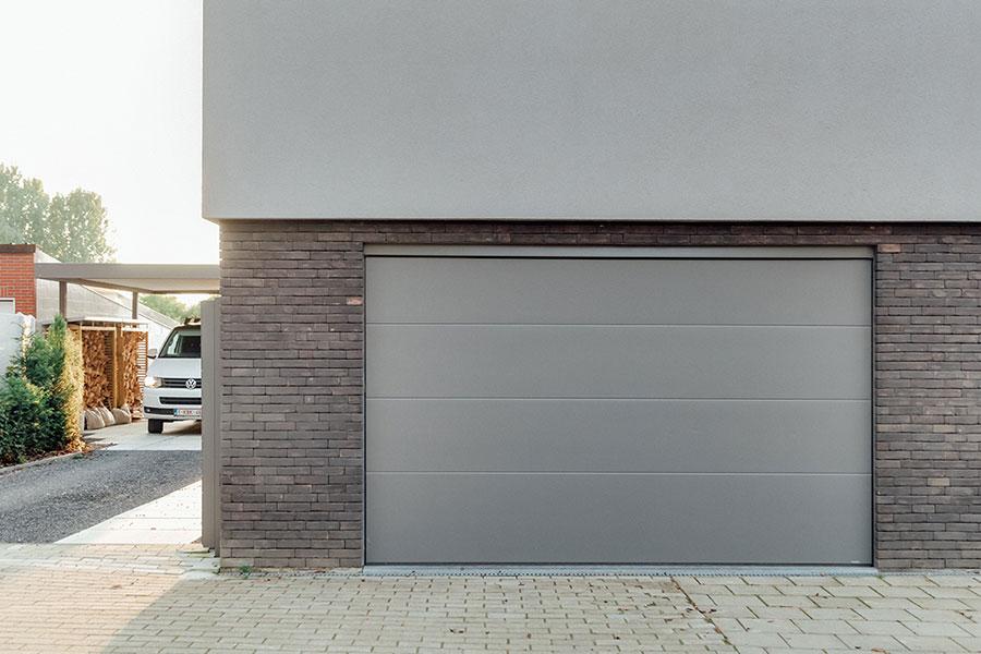 Porte de garage sectionnelle aluminium